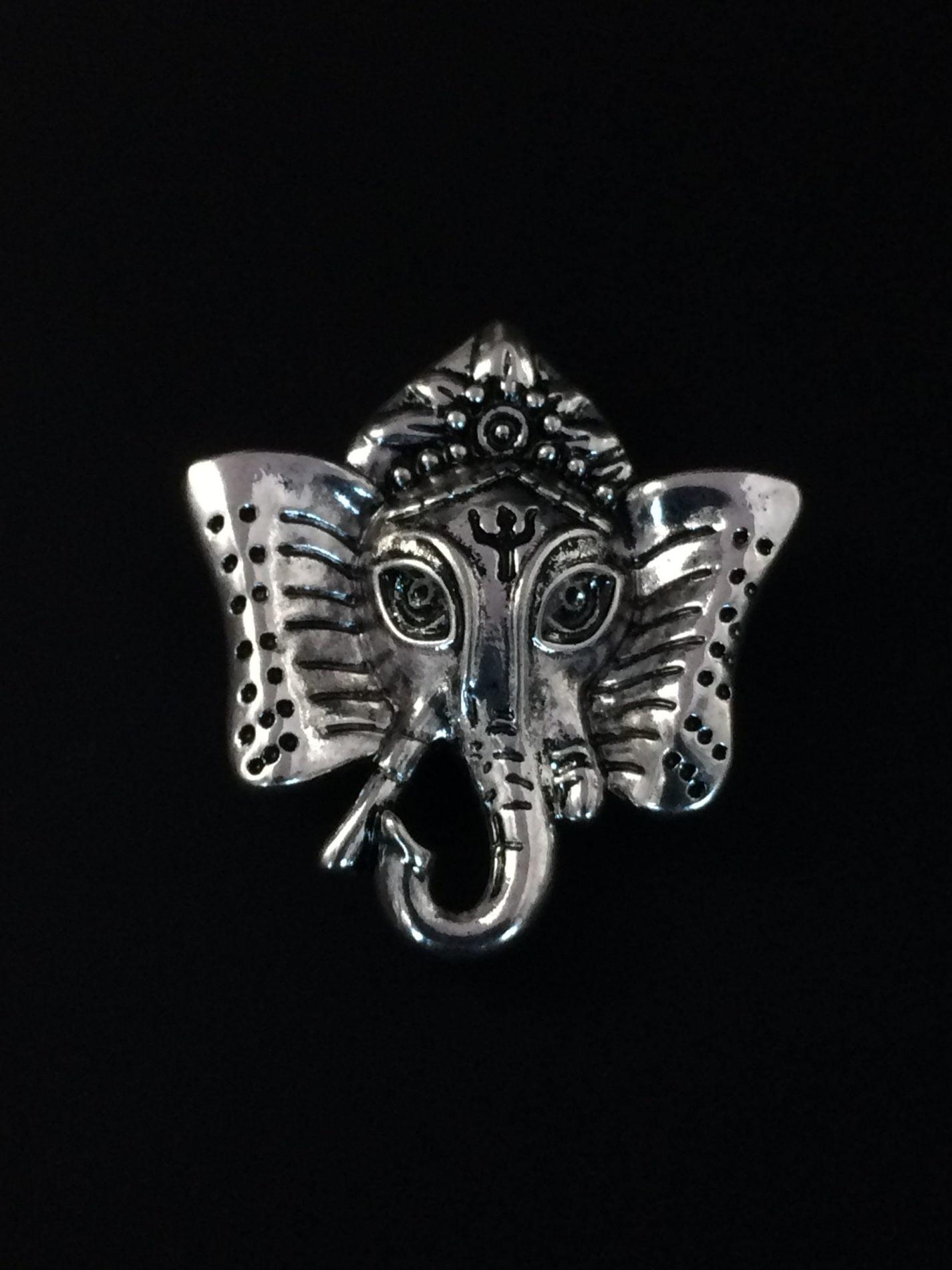 Bijou aimanté - Ganesh